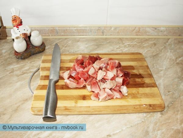 Вторые блюда: Свинина Весенняя с болгарским перцем и зеленым горошком