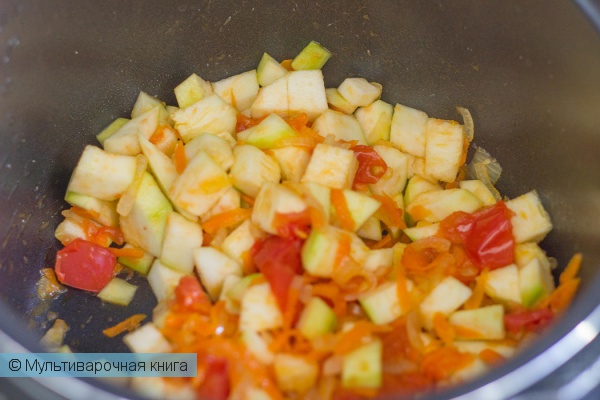 Вторые блюда: Рагу из кабачков в мультиварке