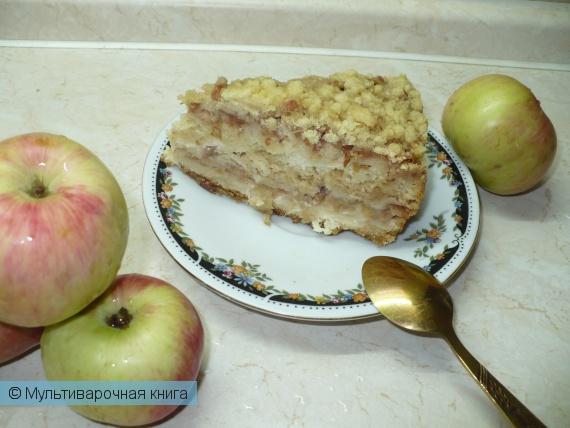 Выпечка: Насыпной пирог с яблоками и творогом