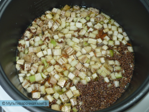 Вторые блюда: Гречка с овощами