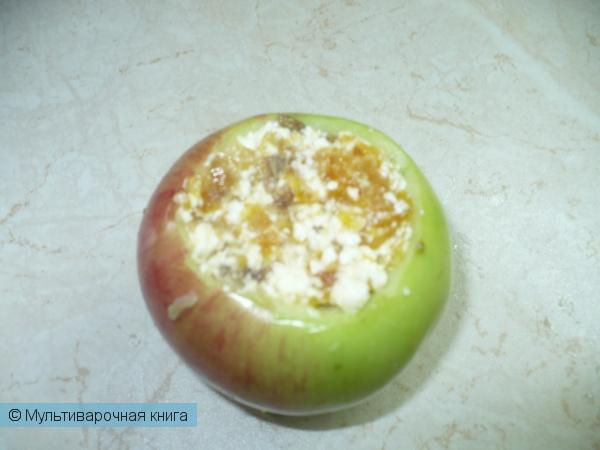 Десерты: Печенные яблоки с начинкой из творога и сухофруктов