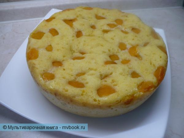Бисквитно-песочный пирог с абрикосами в мультиварке