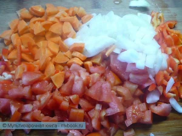 Приготовить овощи для зажарки.