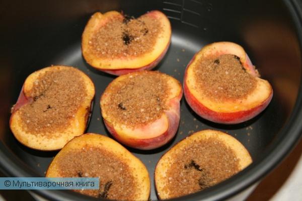 Десерты: Медовые персики в мультиварке