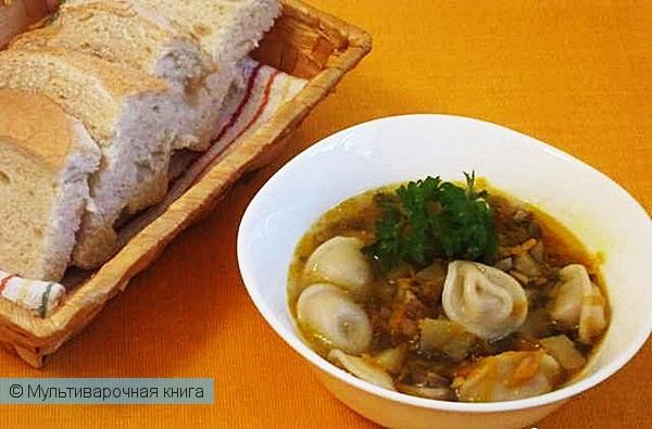Первое блюдо: Грибной суп с пельменями в мультиварке
