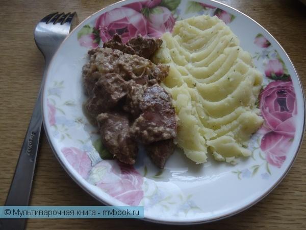Вторые блюда: Тушеная куриная печень в сметане
