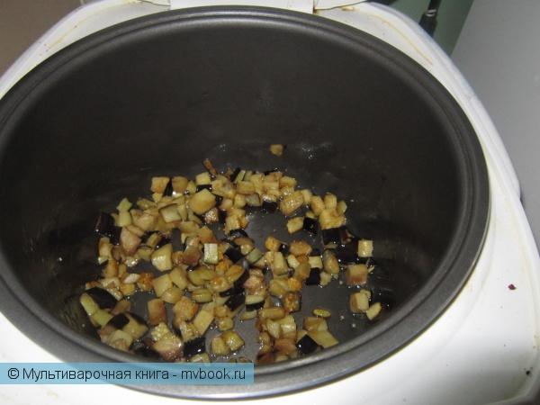 Поджариваем баклажаны в течение 5 минут