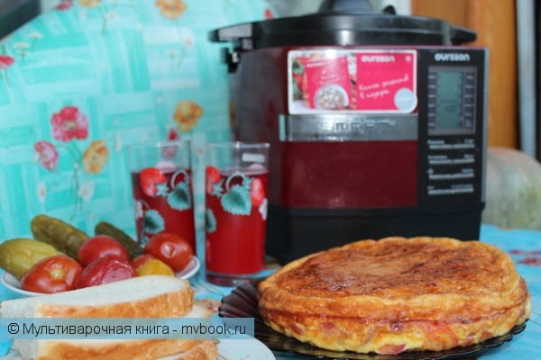 Вторые блюда: Омлет высокий - сырно-колбасно-томатный