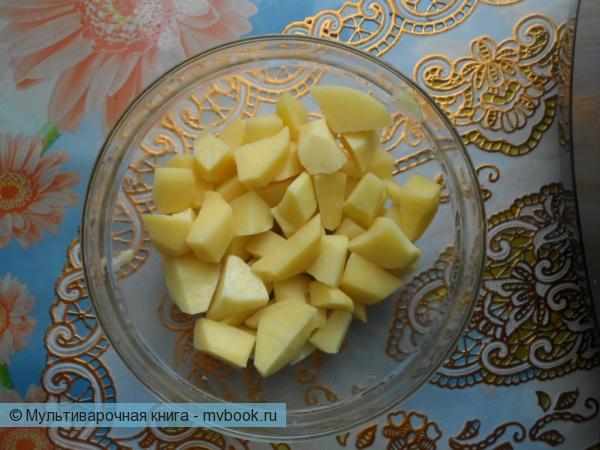 режем картошку на 4 части