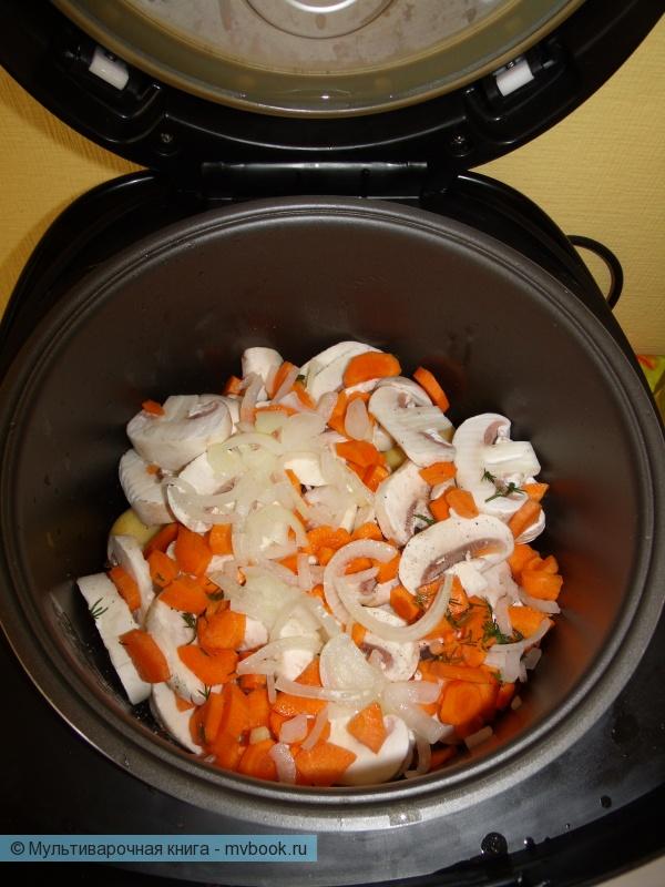 Третий слой лук и морковь