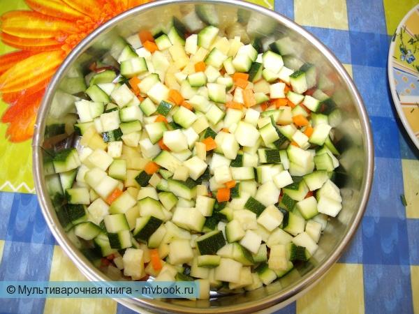 Выкладываем овощи в сито
