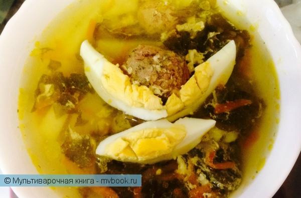 Щавелевый суп с яйцом - это традиционное блюдо русской кухни. Оно простое в приготовлении и содержит мало калорий, может подаваться как в горячем, так и холодном виде. Его приготовление не отнимет у Вас более получаса.